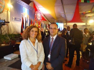 Representantes da NA: Sra. Patricia Muñoz, diretora da Nova Acrópole, na Guatemala, e D. Rolando Aguirre, representante de Relações Institucionais.