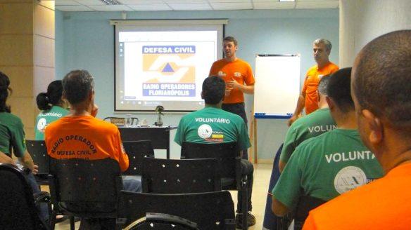 3º-Encontro-de-Rádio-Operadores-Voluntários-da-Defesa-Civil-de-Florianópolis-06-08-2016-5-1024x576